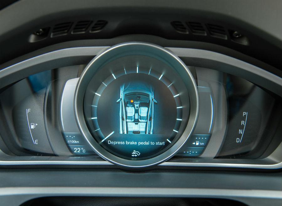 El panel de control del Volvo V40 es tan futurista como elegante.