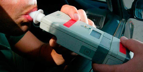 Francia aplaza a marzo la obligatoriedad de llevar alcoholímetro en el coche