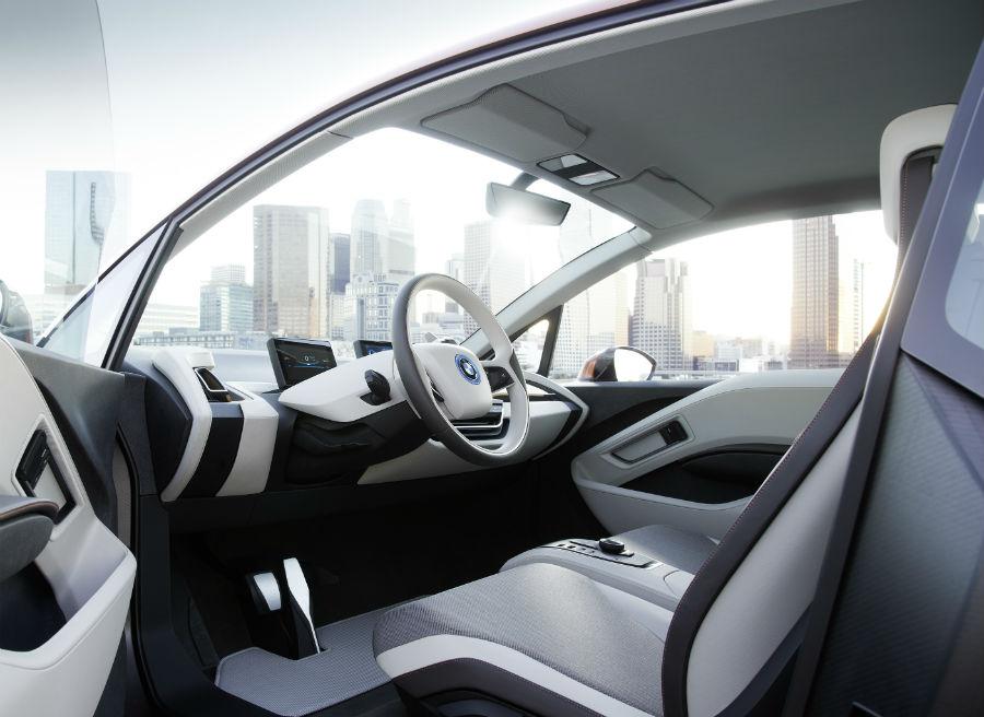 El interior del BMW i3 Concept Coupé es más cercano a la serie de lo que habíamos visto hasta ahora.