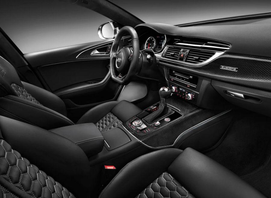 El interior del Audi RS6 sigue conservando la sobriedad típica de la marca.