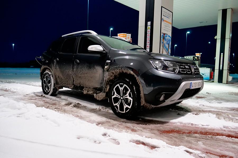 El Dacia Duster 4WD tiene buenas herramientas para ser eficaz con la nieve.