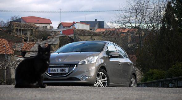 Peugeot 208 eHDi Vs 1.2 VTi Allure: comparativa