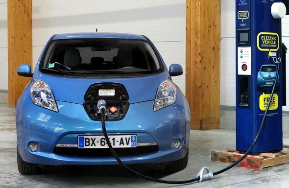 Nissan apuesta por una red de recarga rápida para coches eléctricos