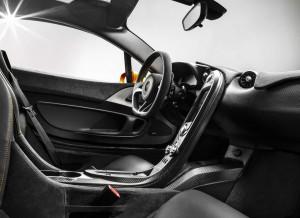 Fibra de carbono y una apariencia totalmente racing, así es el interior del McLaren P1.