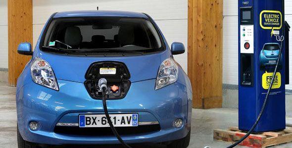 Crecen las ventas de eléctricos y bajan las de híbridos en 2012