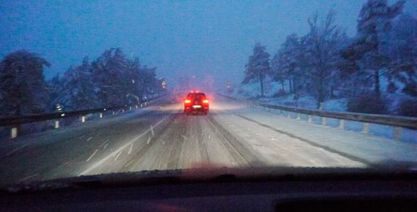 Temporal de nieve y viento: carreteras cortadas