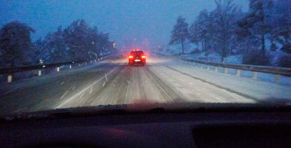 Temporal de nieve y lluvia: 14 puertos cerrados y problemas en muchas carreteras