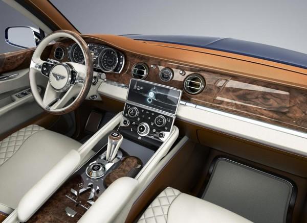 Interior del Bentley EXP 9 F.
