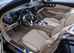 El interior del Brabus 800 Roadster cambia bastante respecto al Mercedes SL 65 AMG.