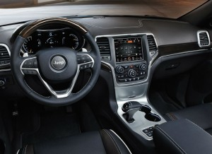 El interior del Jeep Grand Cherokee también ha sido actualizado.