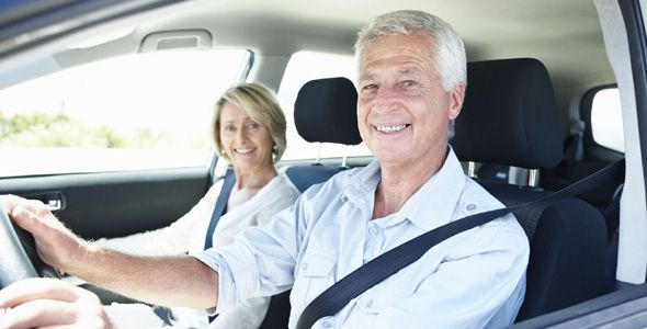La mitad de conductores mayores de 80 años elige el coche para desplazarse