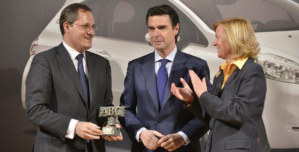 Soria afirma que la industria del automóvil apostará por España