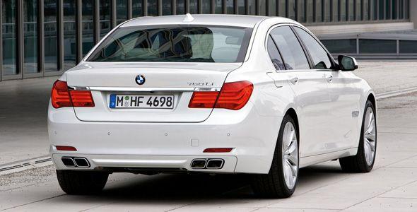 Detenidos por vender coches de lujo con el cuentakilómetros trucado
