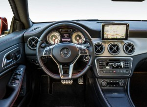 Lujo y calidad para el interior del Mercedes CLA.