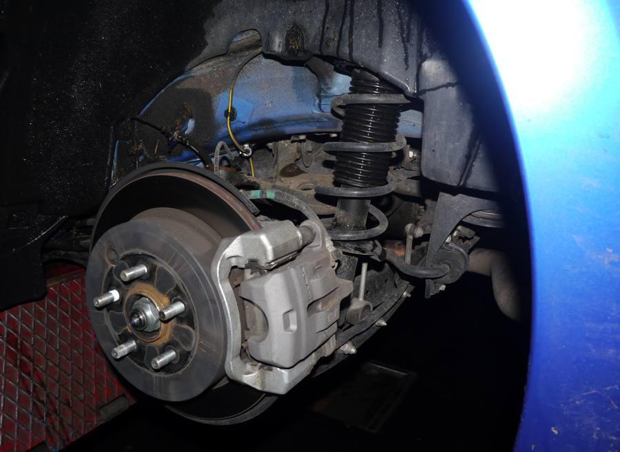 Prueba Subaru BRZ vs Subaru SVX, suspensión trasera BRZ, Rubén Fidalgo