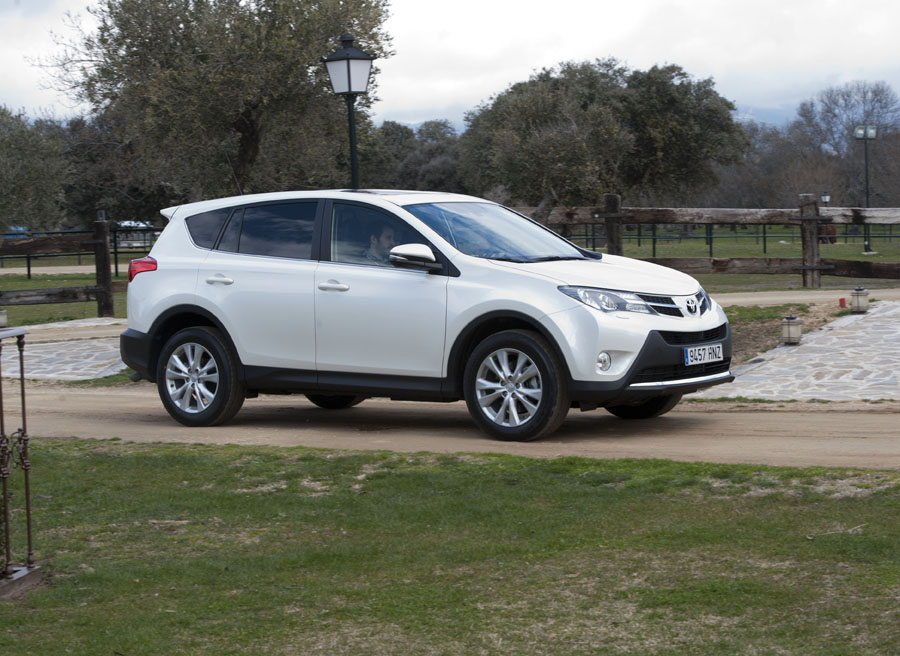 toyota rav4 2013 prueba off road. Black Bedroom Furniture Sets. Home Design Ideas