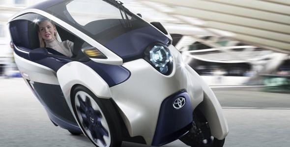 Toyota i-ROAD: revolucionario biplaza eléctrico de tres ruedas