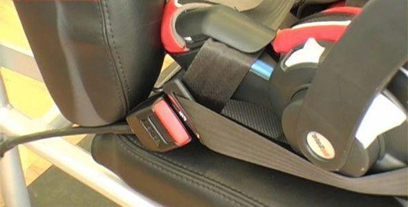 La DGT inicia una campaña para vigilar el uso del cinturón y de las sillitas