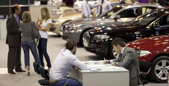 La crisis hace que la compra de un coche sea más racional y menos pasional