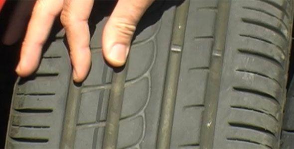 Siete de cada diez coches, con neumáticos defectuosos