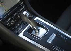 La caja de cambios PDK de Porsche sigue siendo una de las mejores del mercado.