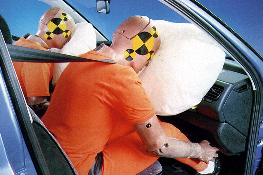 350.000 Mercedes con fallos en los airbags en China