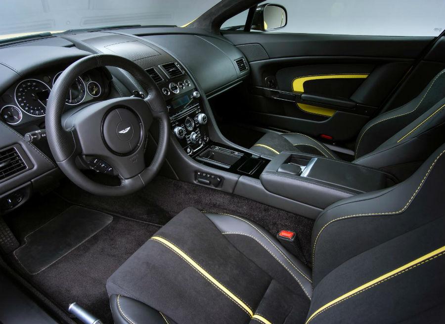 Interior del Aston Martin V12 Vantage S.