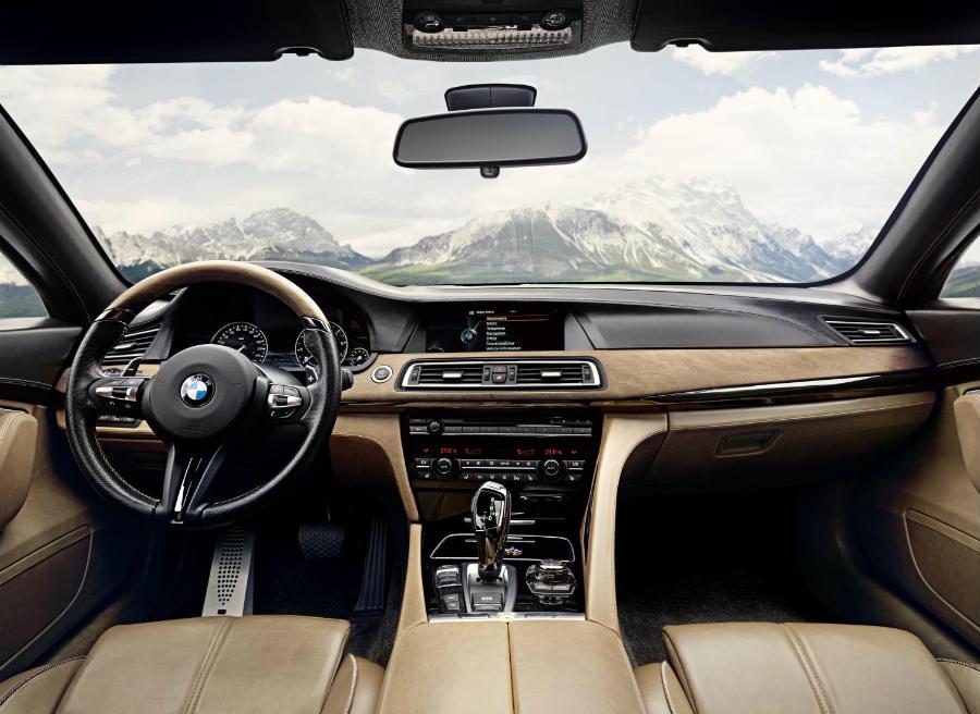 En el interior del BMW Pininfarina Gran Lusso Coupe destacan los materiales de calidad.