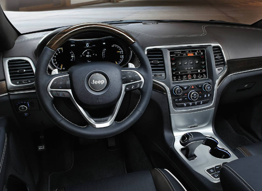 Así es el interior del nuevo Jeep Grand Cherokee.