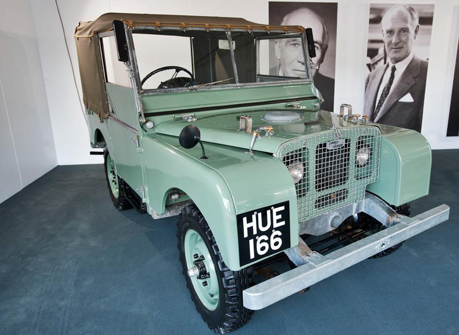 Land Rover LXV 65 aniversario