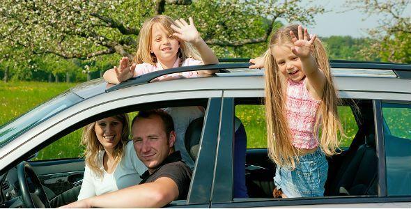 La mitad de los conductores va más despacio cuando viaja con la familia