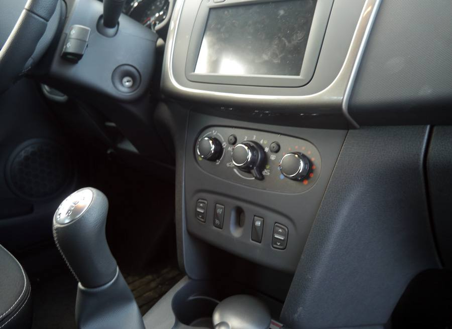 Nuevo Dacia Sandero TCe 90 Laureate, interior, Rubén Fidalgo