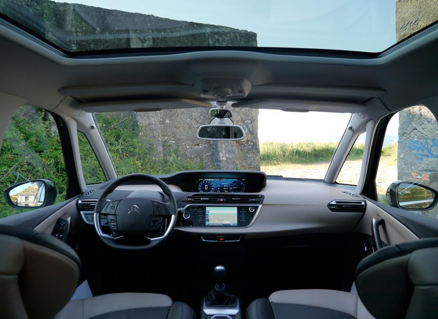 Presentación y prueba nuevo Citroën C4 Picasso 2013, salpicadero, Rubén Fidalgo