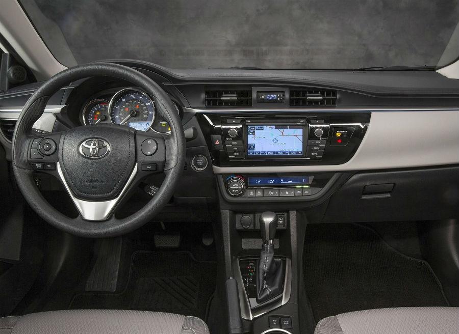 El interior del Toyota Corolla Sedán ha sido rediseñado.