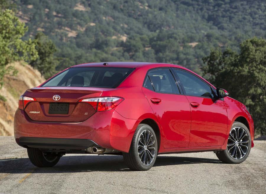 El nuevo Toyota Corolla Sedán deriva del Toyota Furia, concept car presentado en Detroit 2013.