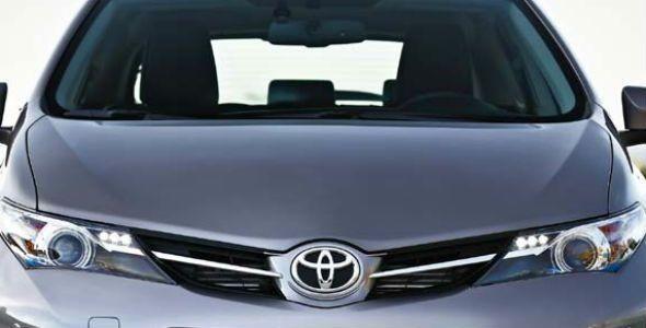 Toyota recibe el Premio Foro 2013 a la mejor Imagen por un programa de coches de ocasión