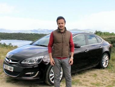 Vídeo prueba: Opel Astra Sedán