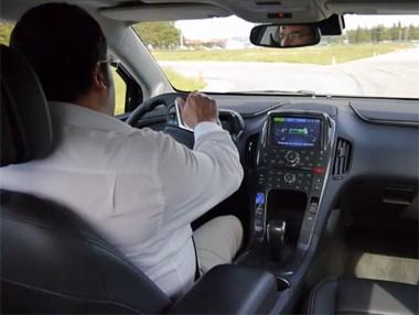 La prueba del Opel Ampera 2012, en vídeo