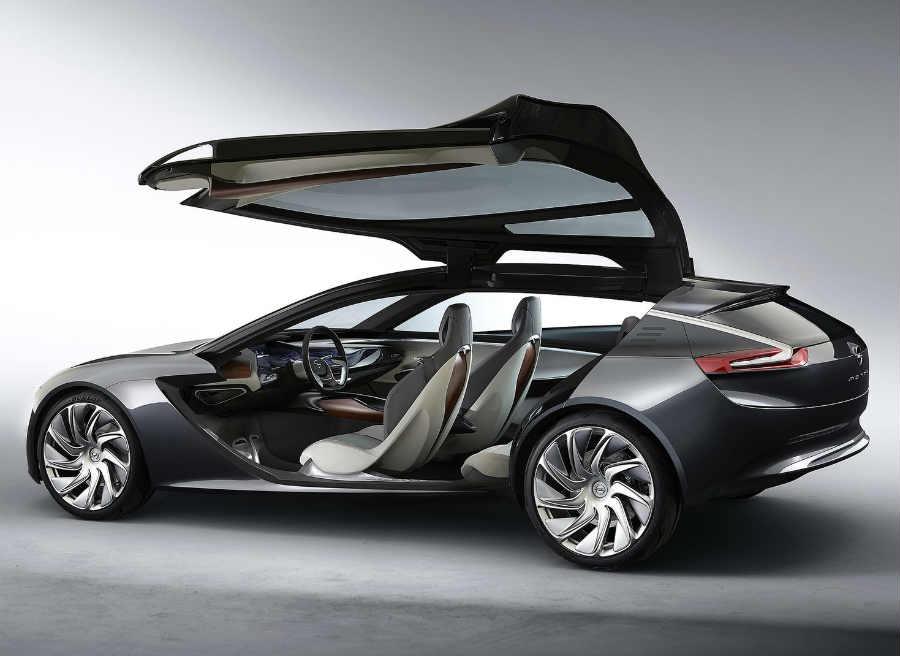 El Opel Monza Concept cuenta con un sistema de apertura de puertas, cuanto menos, curioso.