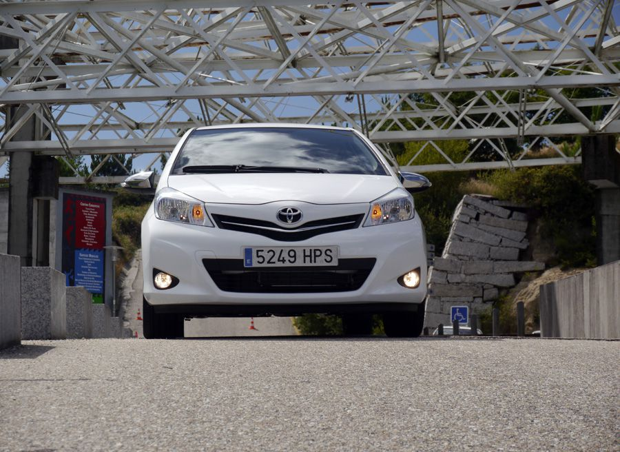 Prueba Toyota Yaris Soho 2013, interior, Rubén Fidalgo