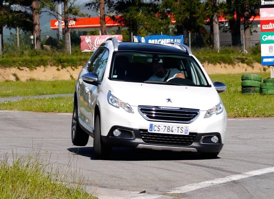 Prueba comparativa Peugeot 2008 Allure e-HDi 115 CV, A Pastoriza, Rubén Fidalgo