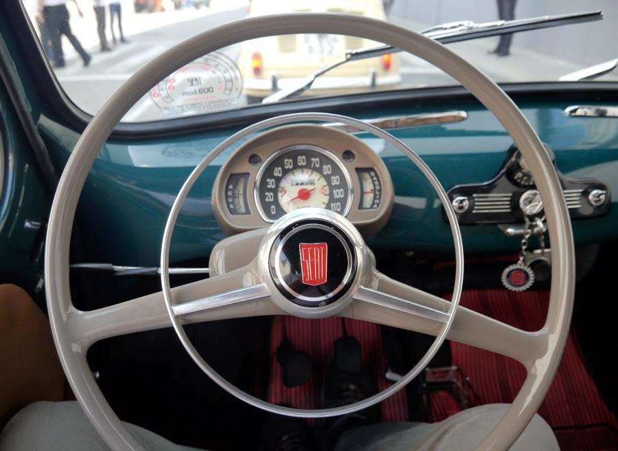 Seat 600 vs Seat Mii, interior Seat 600, Rubén Fidalgo