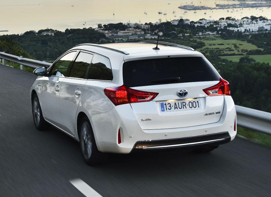 El color Blanco Perla es exclusivo de la versión híbrida del Toyota Auris Touring Sports.