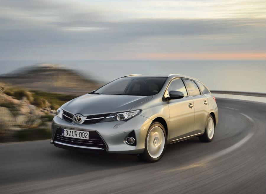 Además de la versión híbrida, el Toyota Auris Touring Sports cuenta con dos motores diésel y uno de gasolina.
