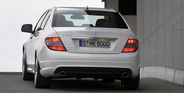 Detectan un fallo en las luces traseras de 218.000 Mercedes Clase C