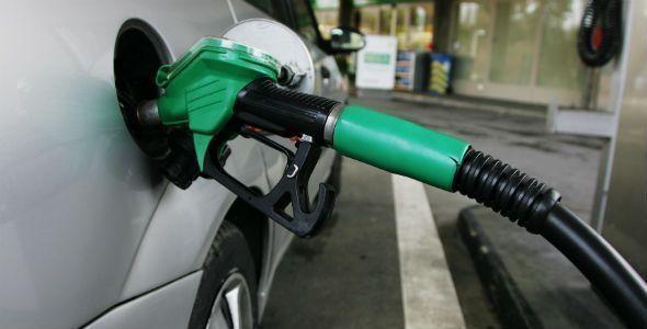 El precio de la gasolina sube y se queda a 4 céntimos del récord