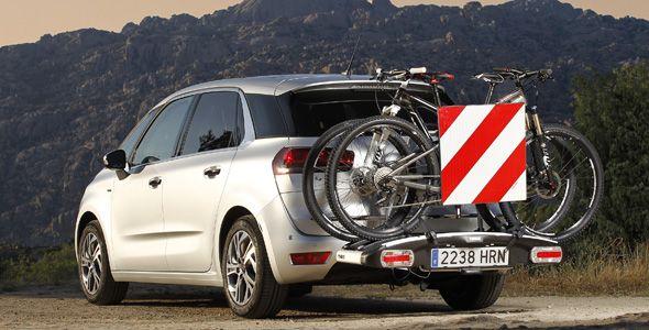 El Citroën C4 Picasso, adaptado para transportar bicicletas, esquís o palos de golf
