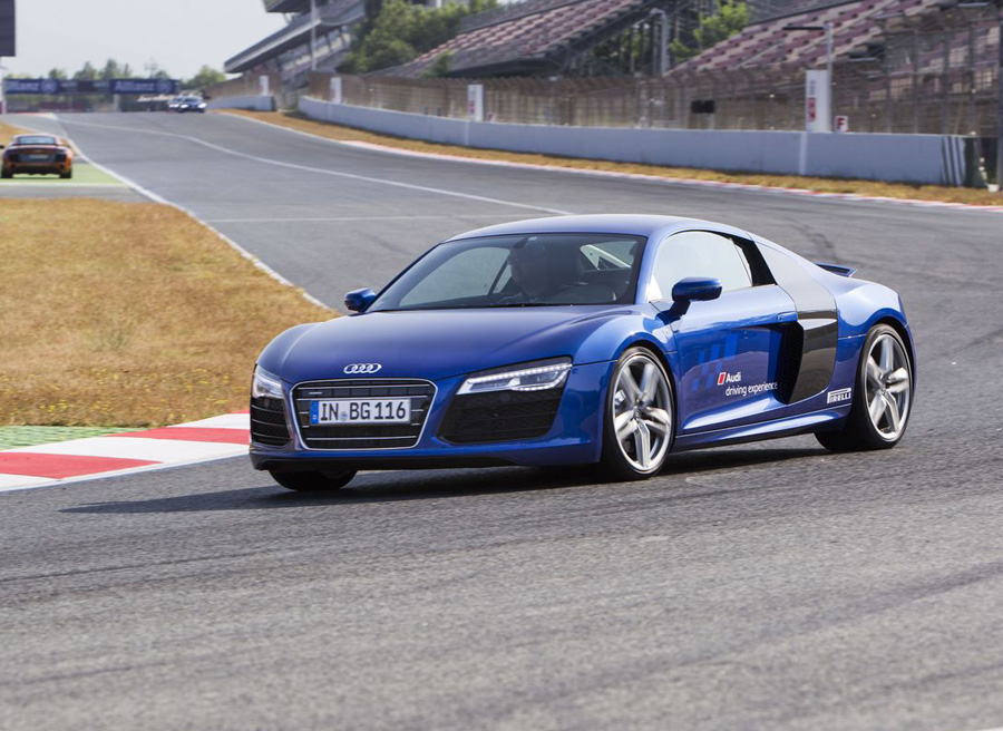 audi driving experience 2013 probamos audi r8 rs4 y rs6. Black Bedroom Furniture Sets. Home Design Ideas
