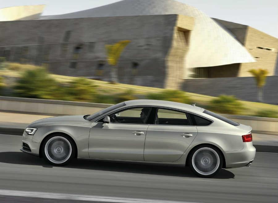 Tanto al versión Sportback de cinco puertas como la Coupé, de tres, se benefician de esta Advance Edition.