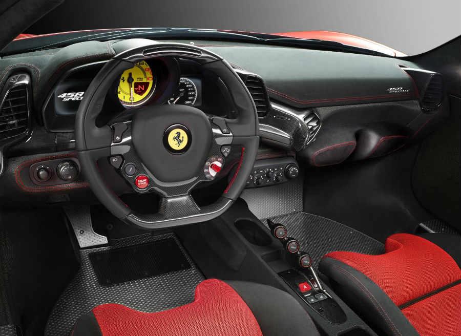 El interior del nuevo Ferrari 458 Speciale es tan o más espectacular que su exterior.